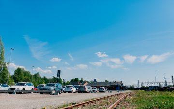 """Vy över parkeringen """"Bangården"""" i Falun"""
